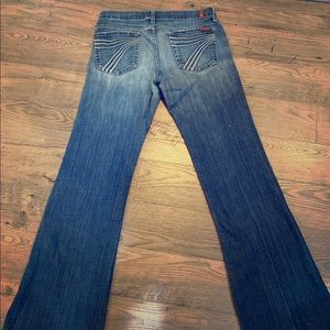 Size 28 7 for all mankind jeans.  Dojo